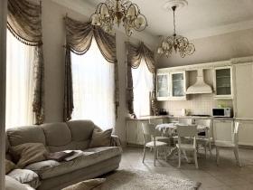 пл. Екатерининская, роскошная 3х ком квартира(№3-246)
