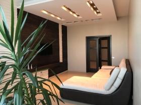Трех спальная квартира в комп. Звездный городок(№4-165)