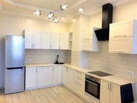 новая двуспальная квартира в жк Фонтан(№3-886)