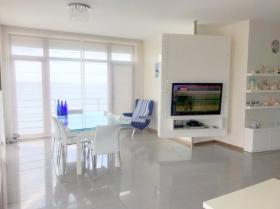 Роскошная квартира с террасой у моря, Совиньон-1(№3-964)