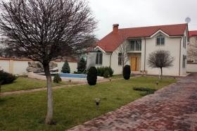 13 Фонтана(№243), предлагаем снять дом с бассейном