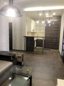 новая двуспальная квартира, Французский Бульвар(№2-394)