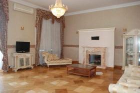 Посуточная аренда 3х ком квартиры на пл. Екатерининская(№3-410)