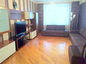 3х ком квартира в пер. Дунаева(№3-540)