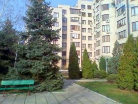 Билдинг, с нами снять квартиру в Одессе легко и просто-(№4-112)