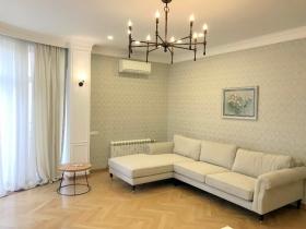 очаровательная 3х ком квартира, переулок Мукачевский(№3-340)