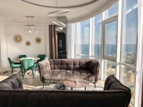 стильная, видовая квартира в ГагаринПлаза(№2-848)