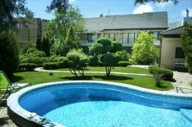 особняк с бассейном, роскошная территория, Львовская(№572)