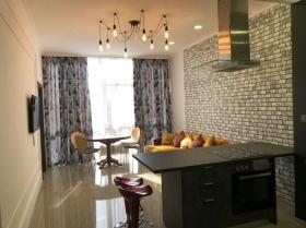 18 Жемчужина, новая двуспальная квартира(№3-1007)