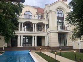Фр Бульвар, Королевские Сады, Дом VIP класса(№613)