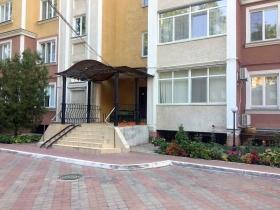 3х ком квартира в доме от СК ЗАРС , Довженко(№4-324)