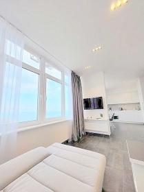 27 Жемчужина, 1к квартира с видом на море-(№1-736)